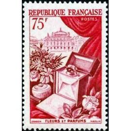 France num Yvert 974 ** MNH fleurs Parfum Luxe Année 1954