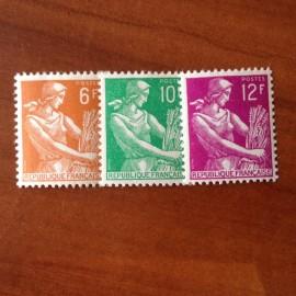 France num Yvert 1115-1116 ** MNH Serie Moissonneuse Année 1957
