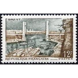 France num Yvert 1117 ** MNH Port de Breste Année 1957