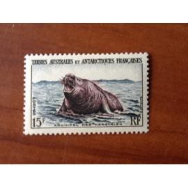 TAAF Yvert Num 7 Elephants de mer ANNEE 1956