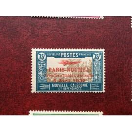 NOUVELLE CALEDONIE PA Num 17 * MH avec charniere ANNEE 1933 Paris-Noumea
