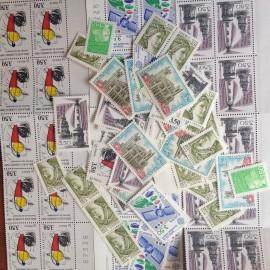 Sous Faciale100 timbres à 3,50francssoit 53,36 euro