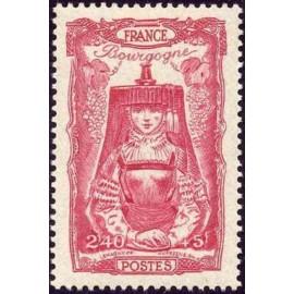 France num Yvert 596 ** MNH Coiffe Bourgogne Année 1943